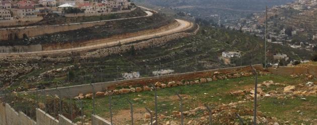 Trzy ściany Biddu – w obliczu okupacji